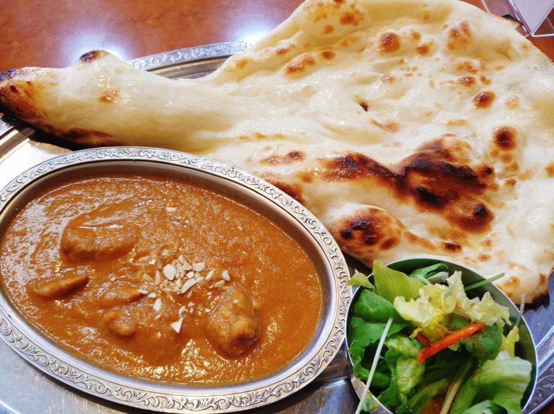 高知市「インド料理マサラ」で焼きたてナンとインドカレー